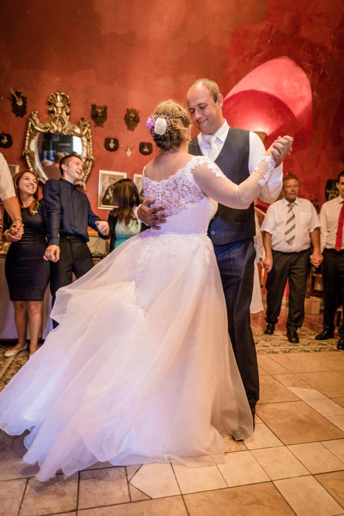 Svatebni fotograf Lednice Valtice Mikulov - Zamecka kaple Valtice - Penzion - zamecek La Veneria Valtice - svatebni foto-5138