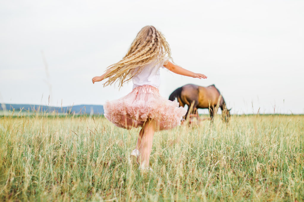 Svatebni fotograf Zlin portrety kone priroda svatebni foto svatba fotograf