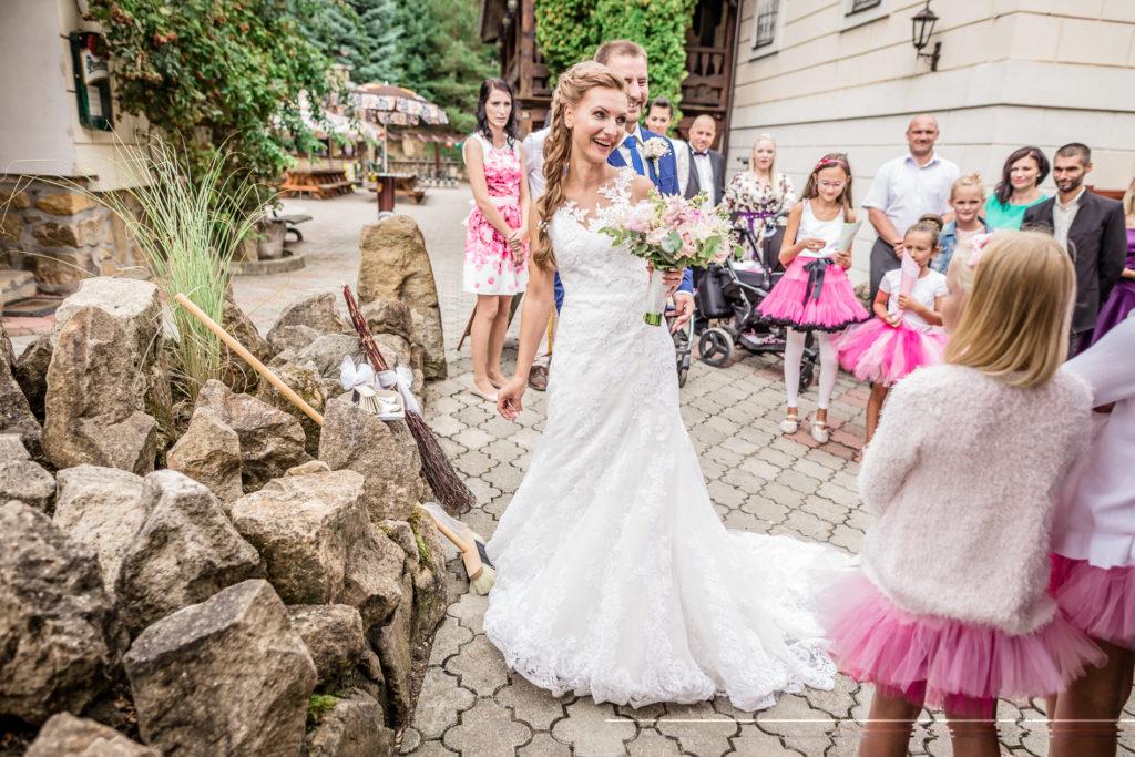Svatební fotografie Hospudka na Halde, Svatebni fotografka Borsice, Svatebni foto Buchlovice, svatebni foto smradavka Buchlovice Halada Borsice-1313