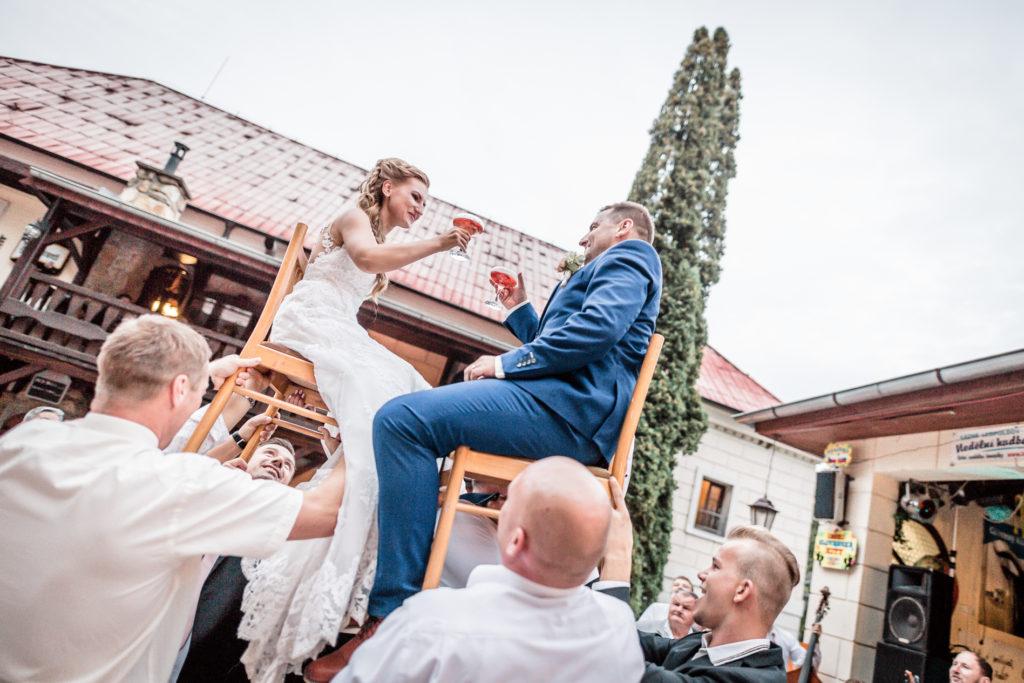 Svatební fotografie Hospudka na Halde, Svatebni fotografka Borsice, Svatebni foto Buchlovice, svatebni foto smradavka Buchlovice Halada Borsice-2824
