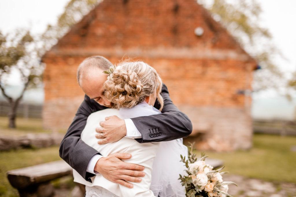 Fotograf-fotografka-Kuželov-svatebni-foto-kyjov-uherske-hradiste-penzion-u-vetrneho-mlyna-svatba-reference-recenze--53