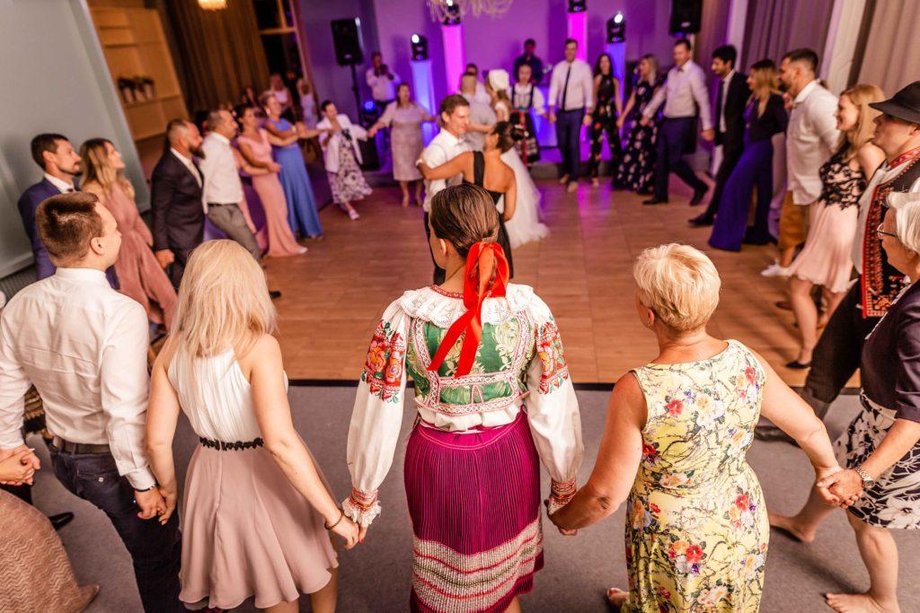 svatebni-svadobny-fotograf-kursalon-trencianske-teplice-69