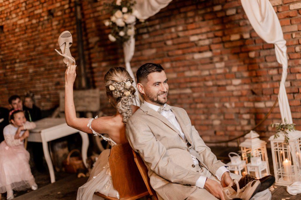 Svatebni-fotograf-Hodonin-Breclav-Kyjov-svatebni-foto-boho-styl-stodola-6684