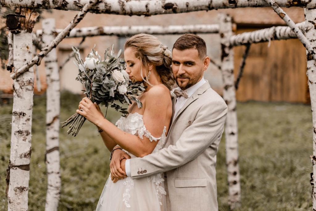 Svatebni-fotograf-Hodonin-Breclav-Kyjov-svatebni-foto-boho-styl-stodola-6838