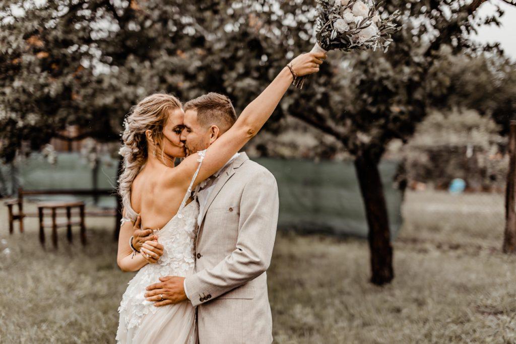 Svatebni-fotograf-Hodonin-Breclav-Kyjov-svatebni-foto-boho-styl-stodola-6885