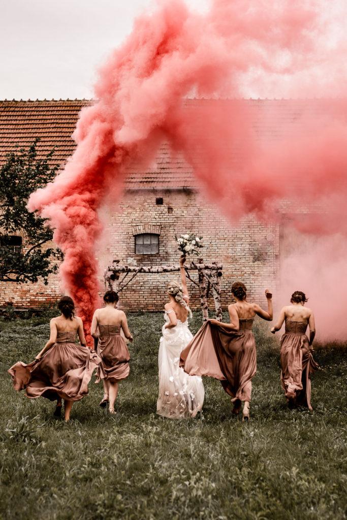 Svatebni-fotograf-Hodonin-Breclav-Kyjov-svatebni-foto-boho-styl-stodola-7023