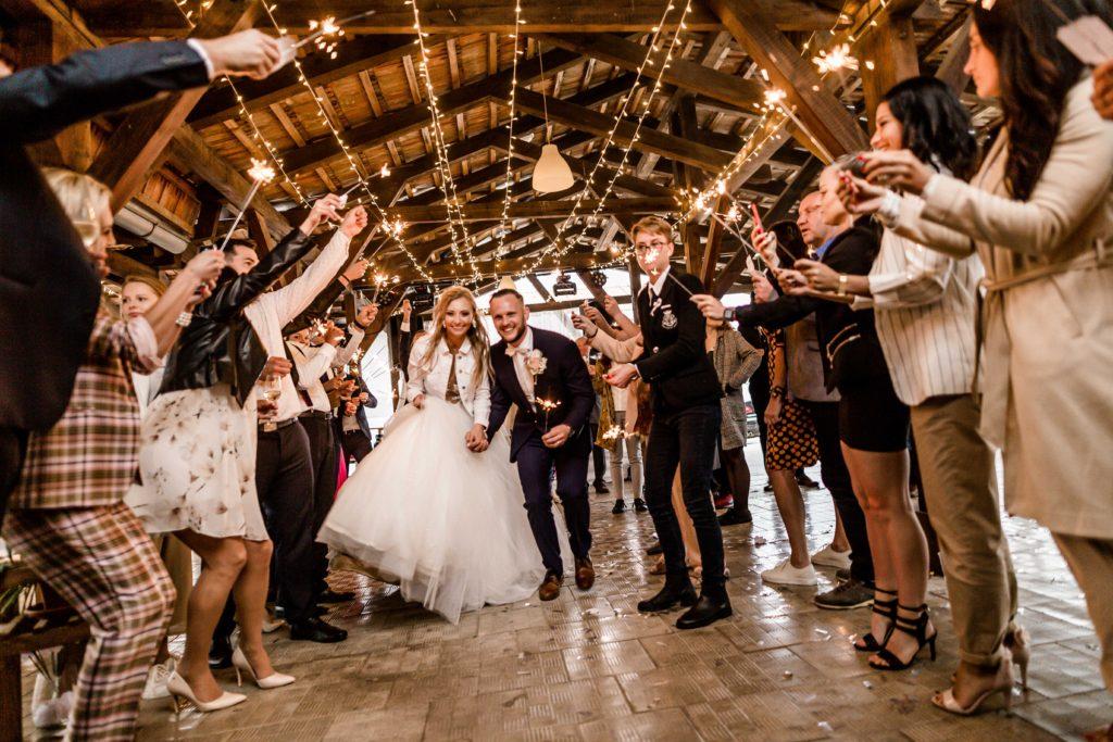 Svatebni-fotograf-Hodonin-svatby-ve-vinici-vinarstvi-vinne-sklepy-0119