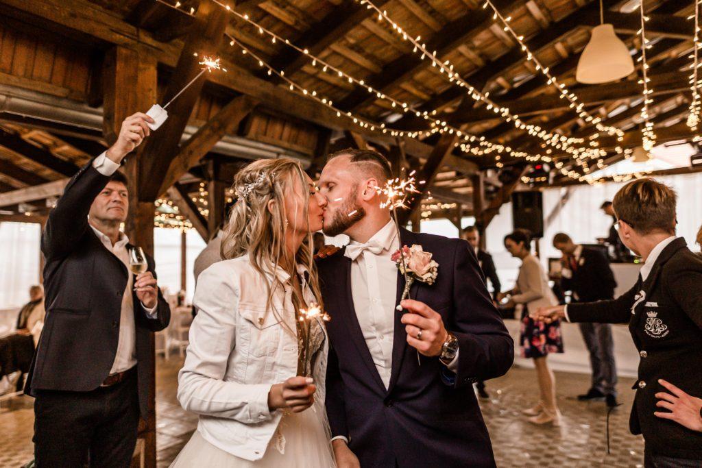 Svatebni-fotograf-Hodonin-svatby-ve-vinici-vinarstvi-vinne-sklepy-0163